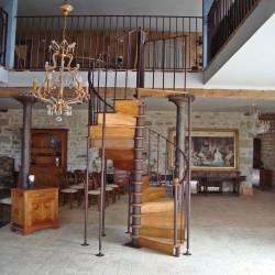 Escalier marche en bois