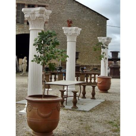 Autres : colonnes, bancs, lampadaires, ...